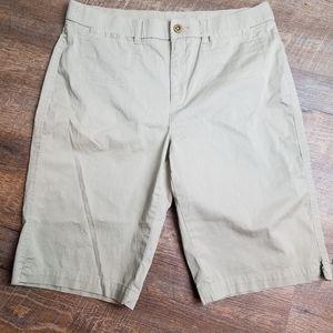 Kim Rogers Khaki sz 12 shorts